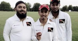 Faris Almas Lee with Emdad Rahman (left) and Bangladesh spinner Enamul Haque Junior (right)