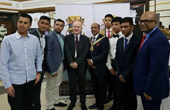 Mayor John Biggs takes time off from cutting back on Children's Centres and nurseries and cutting voluntary groups such as mother tongue teaching to attend the anniversary dinner.