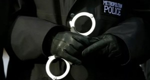 met police cuffs